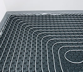 Fußboden- und Wandheizungen sind wärmende Flächenheizungen